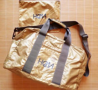 HeMのメタリックボストンバッグ